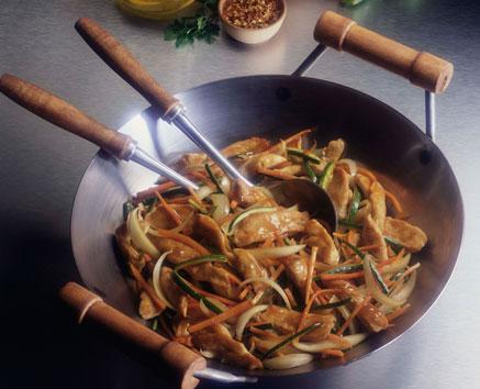 Wok de pollo y calabacín